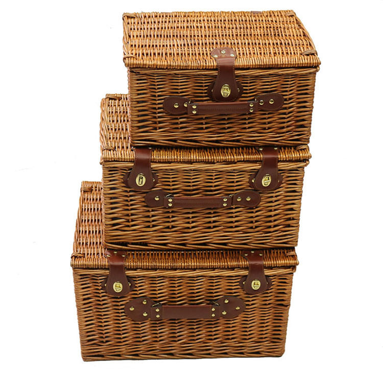 Classic wicker hamper storage basket
